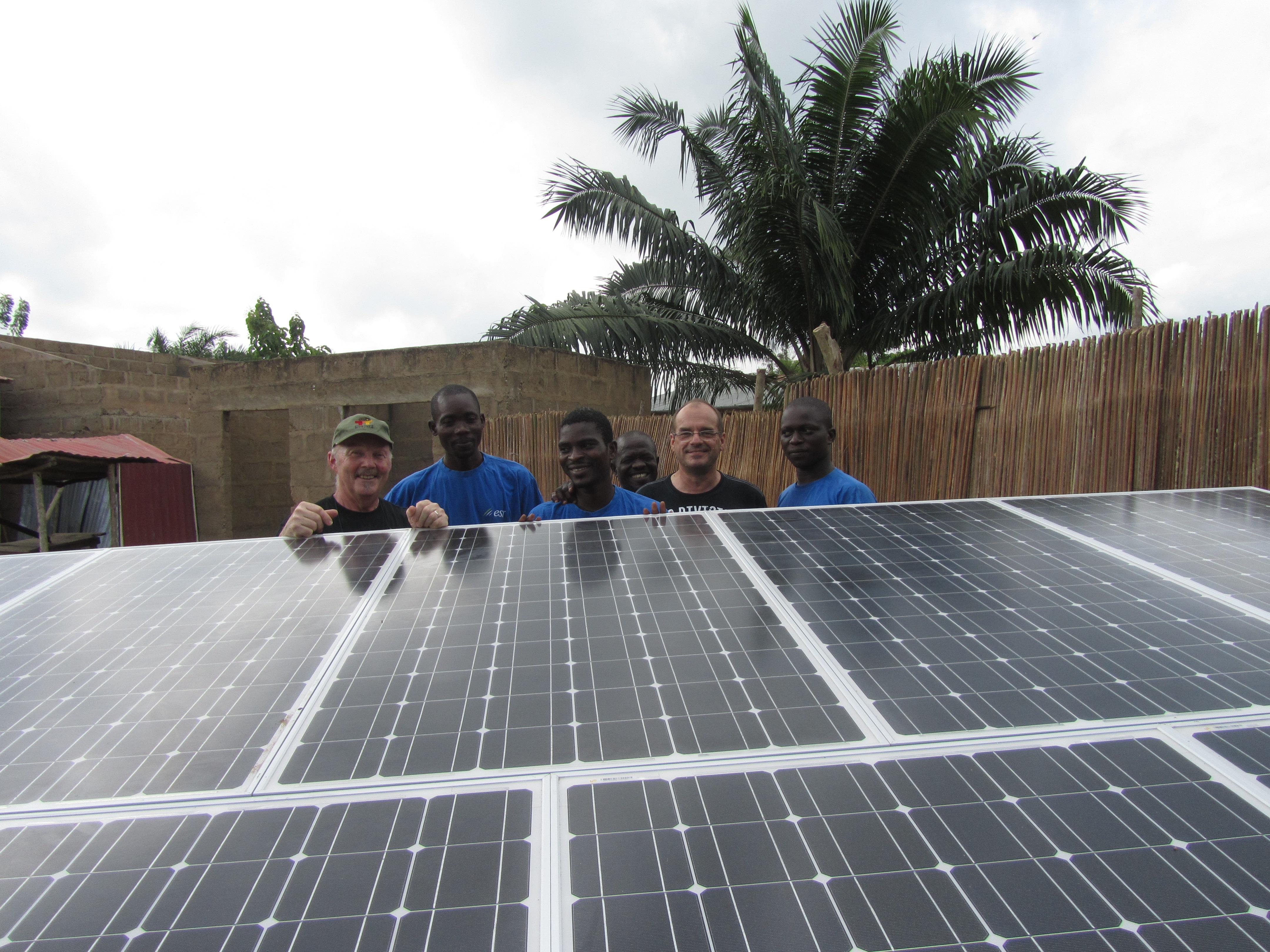 ©Photos DR - Piles Solidaires. Electriciens sans frontières